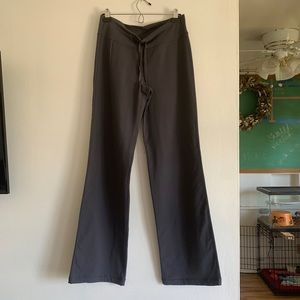 lululemon relaxed fit pants, grey, size 8